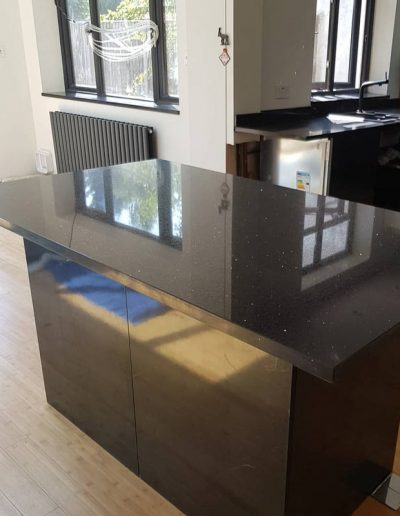 Black mirror quartz kitchen island worktop