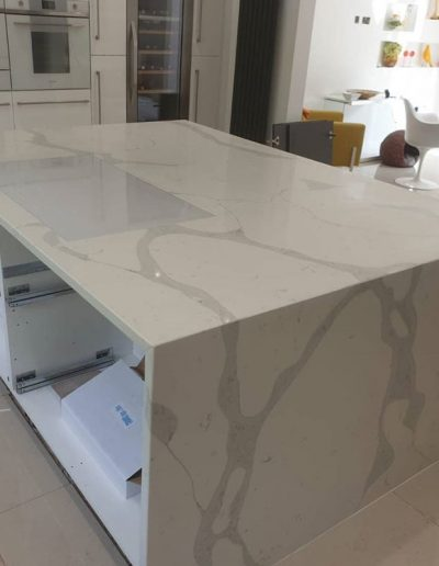 Kitchen island with calcatta quartz worktop