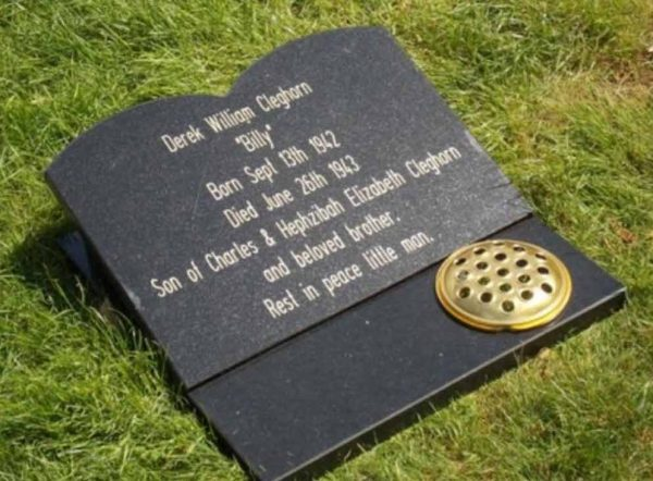 Large memorial plaque engraved 30x40cm with flower pot